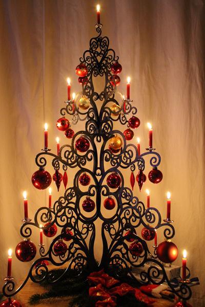 Weihnachtsbaum aus Stahlblech
